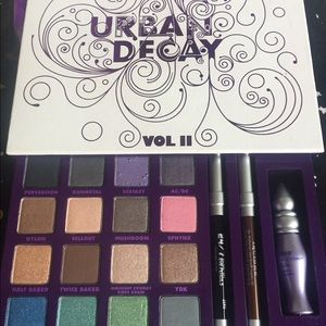 Urban Decay collector palette set stunning